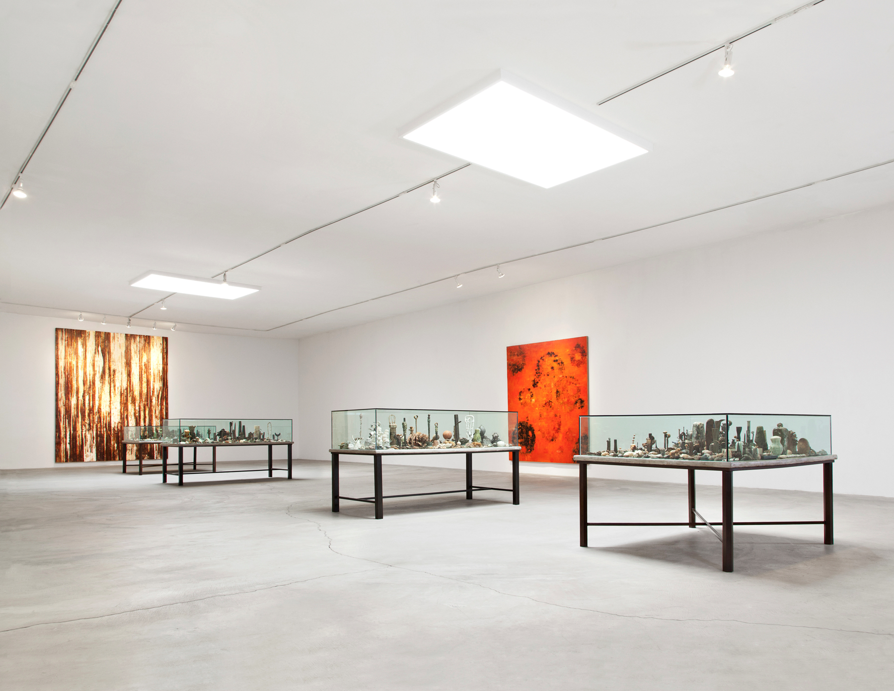 Fieldmarks 1, Table of Contents 1, 111, 1V, 11 and Burn Cycle. Installation View. Courtesy Ace Gallery Los Angeles.